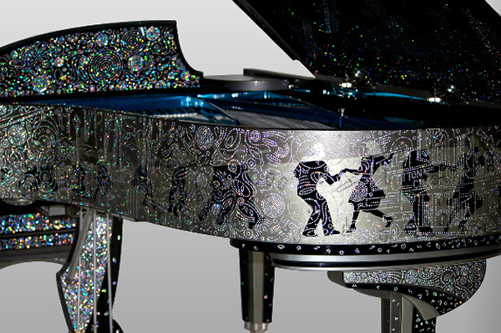 """Million dollar custom Steinway piano serenades with 164,000 zirconia-studded skyline of New York."" Million Dollar Steinway Piano Inspired by New York Million Dollar Steinway Piano Inspired by New York 61   61"