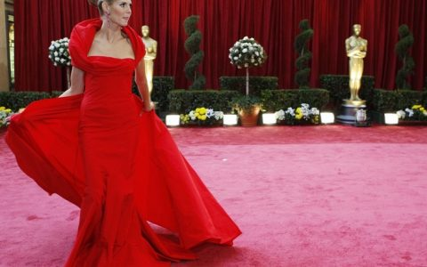 The Oscars: a constellation of luxury fashion brands The Oscars: a constellation of luxury fashion brands model heidi klum dressed john galliano gathers her dress she walks red carpet 80th annual 480x300