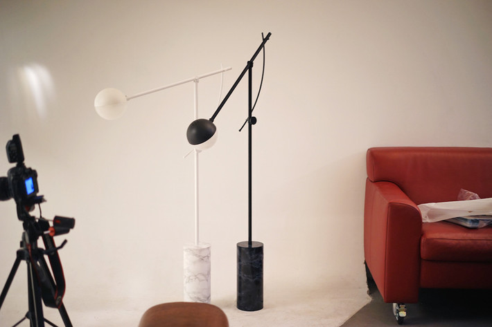 Minimal floor lamp minimal floor lamp Yuee Design Launch Minimal Floor Lamp yuuedesign balancer 6