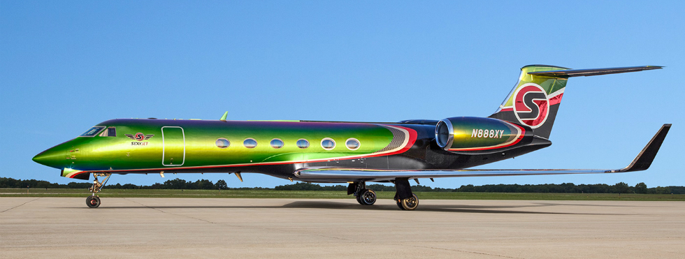 """High Art"": A Totally New Meaning with Custom Private-Jet Exteriors Private-Jet ""High Art"": A Totally New Meaning with Custom Private-Jet Exteriors 3 10"