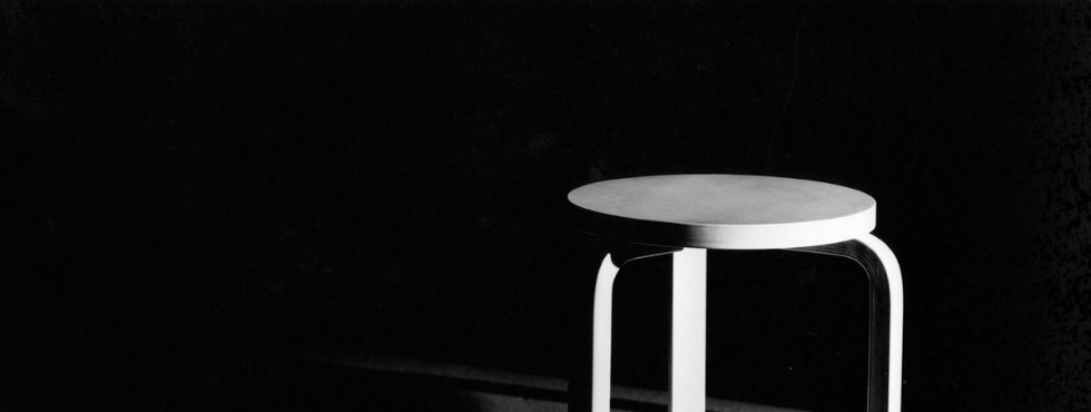 MUJI Releases An Exclusive Version of Artek's Iconic Stool E60 MUJI MUJI Releases An Exclusive Version of Artek's Iconic Stool E60 jakkara 60 kuva ilmari ko
