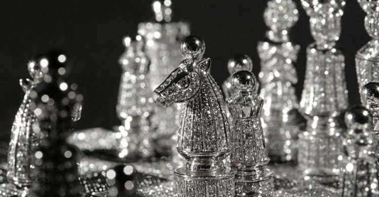 Diamond Chess Set by Charles Hollander Collection diamond Diamond Chess Set by Charles Hollander Collection Royal Diamond Chess Set 750x390