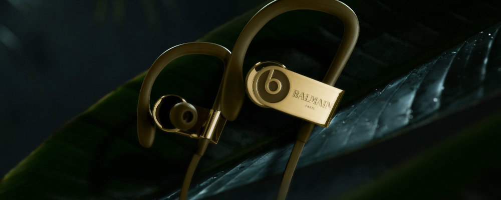 Kylie Jenner and new heavenly limited edition Beats Headphones kylie jenner Kylie Jenner and new heavenly limited edition Beats Headphones pb3w 3grid 1 3440x1376
