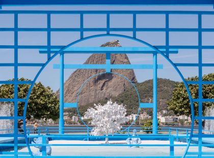 Daniel Arsham Blue Japanese Zen Garden overlooks Rio's Sugar Loaf Mountain sugarloaf mountain Daniel Arsham Blue Japanese Zen Garden overlooks Rio's Sugar Loaf Mountain FB 12 1 420x311
