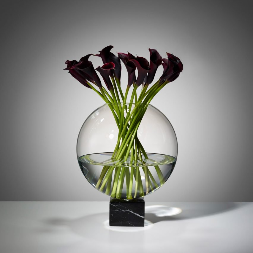 Lee Broom solemnizes his 10th anniversary with all-black collection Lee Broom Lee Broom solemnizes his 10th anniversary with all-black collection lee broom reflection collection london design festival  dezeen 2364 col 8 852x852