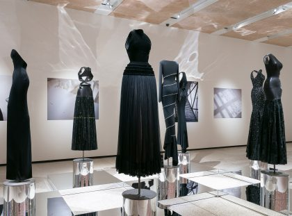 Azzedine Alaïa Celebrates the Female Body at Design Museum azzedine alaïa Azzedine Alaïa Celebrates the Female Body at Design Museum f10 azzedine alaia the couturier design museum mark blower yatzer 1 420x311