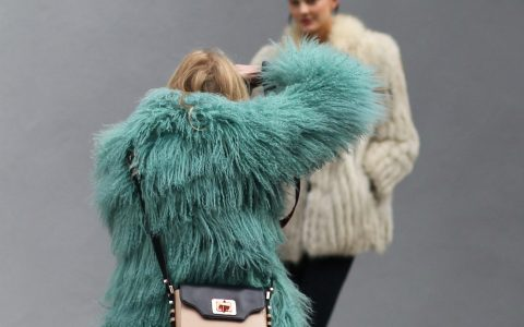 Fur Coats Go Chic With Fur Coats Go Chic With Fur Coats 4    480x300