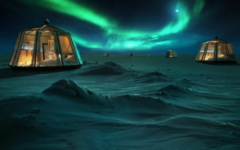luxury retreat Icy Luxury Retreats In The Artic Circle Icy Luxury Retreats In The Artic Circle ft 1 480x300