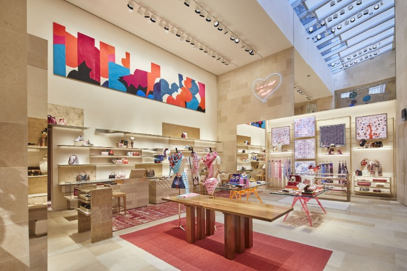 peter marino Peter Marino Creates A Modern Instalation For Louis Vuitton Peter Marino Creates A Modern Instalation For Louis Vuitton 5