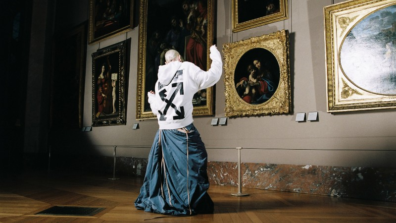 virgil abloh Art Meets Design In Virgil Abloh's Louvre Photoshoot Art Meets Design In Virgil Ablohs Louvre Photoshoot 1