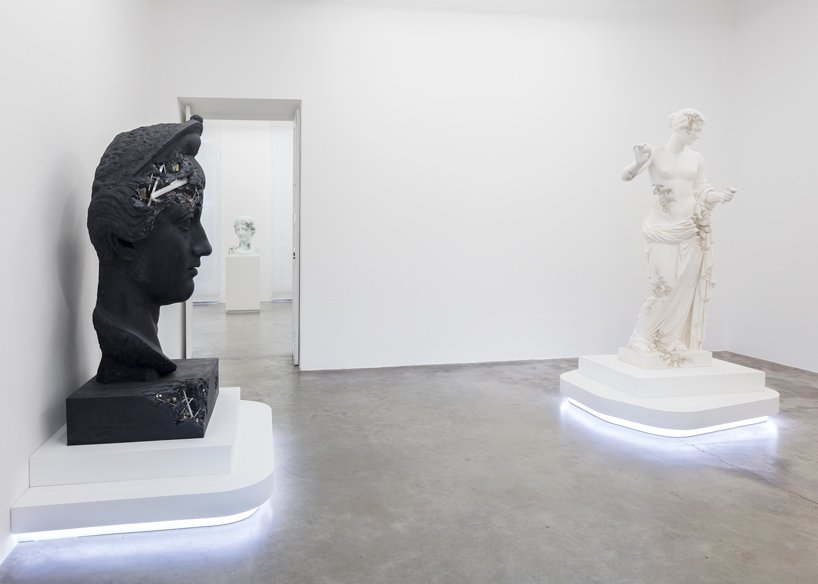 Perrotin Gallery Debuts Innovative Art Sculptures From Daniel Arsham (11) art sculptures Daniel Ashram's Art Sculptures Take Over Perrotin Gallery Perrotin Gallery Debuts Innovative Art Sculptures From Daniel Arsham 11