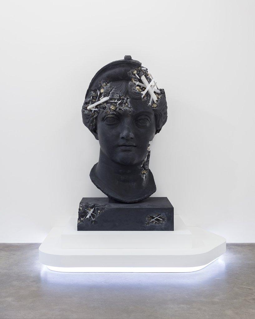 Perrotin Gallery Debuts Innovative Art Sculptures From Daniel Arsham (12) art sculptures Daniel Ashram's Art Sculptures Take Over Perrotin Gallery Perrotin Gallery Debuts Innovative Art Sculptures From Daniel Arsham 12