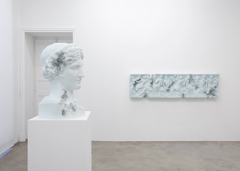 Perrotin Gallery Debuts Innovative Art Sculptures From Daniel Arsham (6) art sculptures Daniel Ashram's Art Sculptures Take Over Perrotin Gallery Perrotin Gallery Debuts Innovative Art Sculptures From Daniel Arsham 6