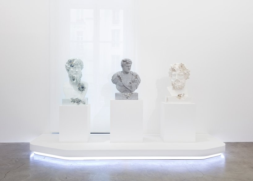 Perrotin Gallery Debuts Innovative Art Sculptures From Daniel Arsham (8) art sculptures Daniel Ashram's Art Sculptures Take Over Perrotin Gallery Perrotin Gallery Debuts Innovative Art Sculptures From Daniel Arsham 8