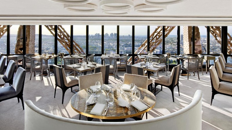 Rediscover Le Jules Verne, A Luxury Restaurant Inside The Eiffel Tower (1) luxury restaurant Rediscover Le Jules Verne, A Luxury Restaurant Inside The Eiffel Tower Rediscover Le Jules Verne A Luxury Restaurant Inside The Eiffel Tower 1