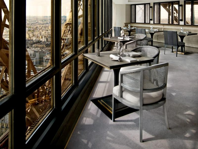 Rediscover Le Jules Verne, A Luxury Restaurant Inside The Eiffel Tower (2) luxury restaurant Rediscover Le Jules Verne, A Luxury Restaurant Inside The Eiffel Tower Rediscover Le Jules Verne A Luxury Restaurant Inside The Eiffel Tower 2