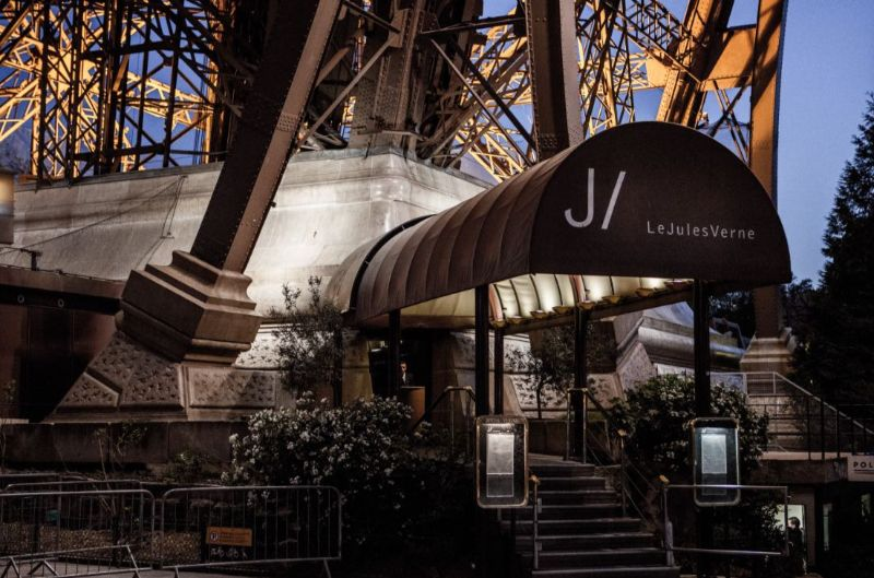 luxury restaurant Rediscover Le Jules Verne, A Luxury Restaurant Inside The Eiffel Tower Rediscover Le Jules Verne A Luxury Restaurant Inside The Eiffel Tower 4