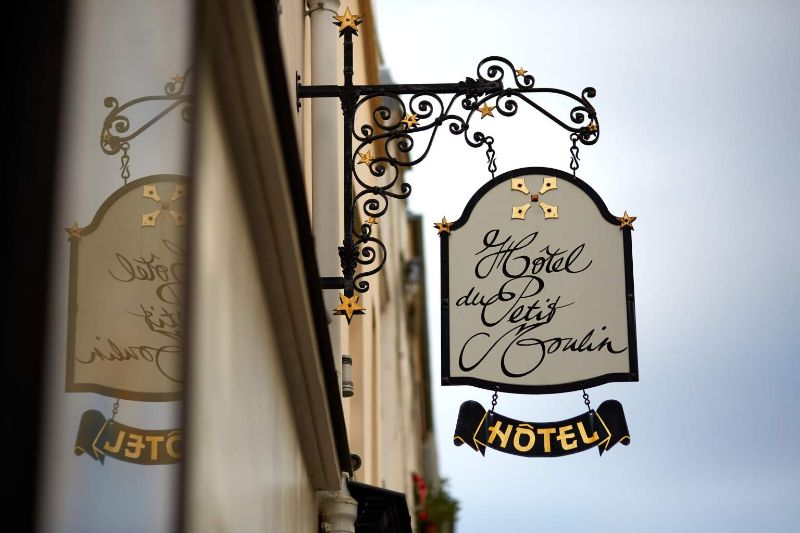 Luxurious And Modern Hotels That Are Owned By Haute Couture Royalty modern hotel High Fashion Meets Luxury Hospitality With These Modern Hotels H  tel Petit Moulin Paris