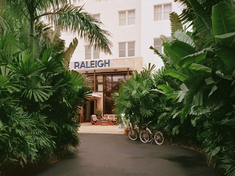 Luxurious And Modern Hotels That Are Owned By Haute Couture Royalty modern hotel High Fashion Meets Luxury Hospitality With These Modern Hotels The Raleigh