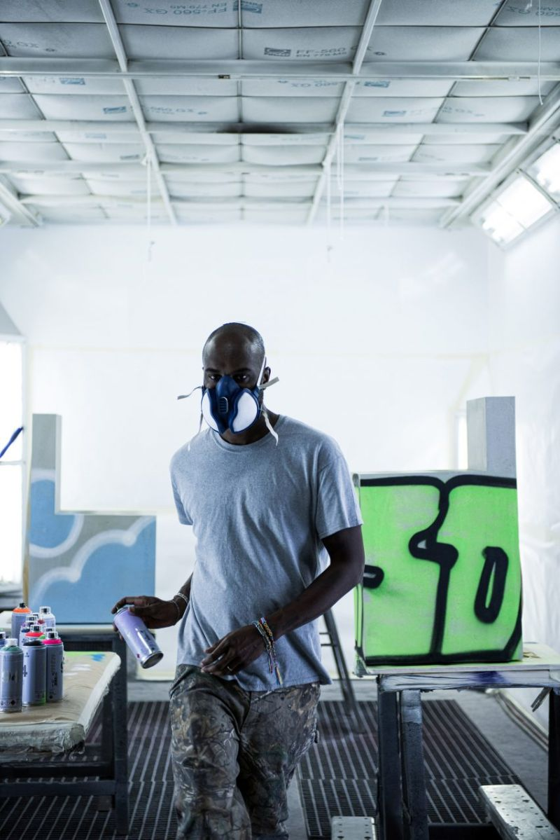 Virgil Abloh Brings Street Grafitti Flair To Galerie Kreo (5) virgil abloh Virgil Abloh Brings Street Grafitti Flair To Galerie Kreo Virgil Abloh Brings Street Grafitti Flair To Galerie Kreo 5