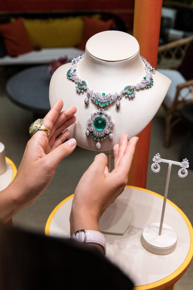 Van Cleef And Arpels Jewelry Collection Inspired By Romeo and Juliet van cleef and arpels Van Cleef And Arpels Jewelry Collection Inspired By Romeo and Juliet Van Cleef and Arpels High Jewellery Collection Brings Shakespeare To Life 5