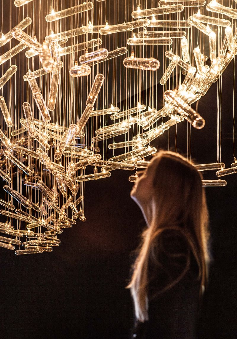 Illuminating Experiential Sculptures by Studio Drift studio drift Illuminating Experiential Sculptures by Studio Drift Drift Illuminates Parallels Between Man Made and Natural Structures 12