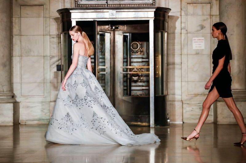 7 Haute Couture Fashion Names Turned High-End Interior Designers high-end interior designer 7 Haute Couture Fashion Names Turned High-End Interior Designers Oscar de la Renta