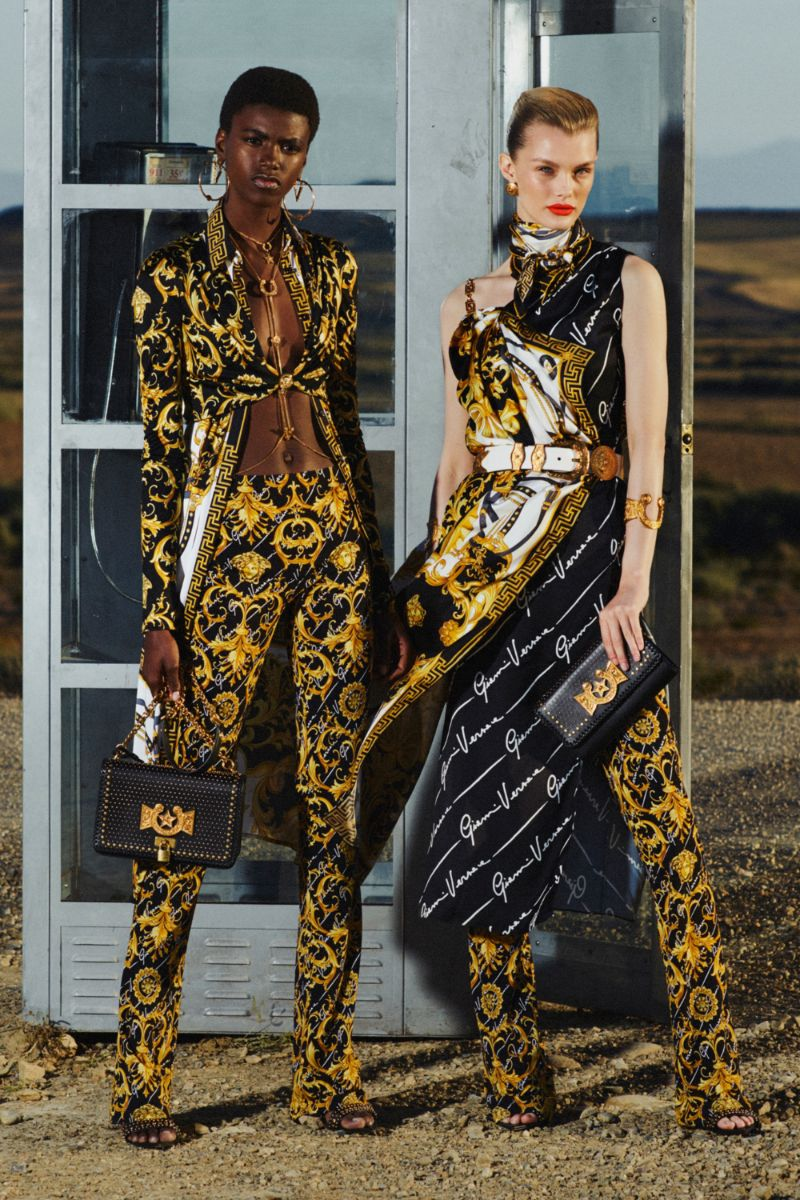 7 Haute Couture Fashion Names Turned High-End Interior Designers high-end interior designer 7 Haute Couture Fashion Names Turned High-End Interior Designers versace