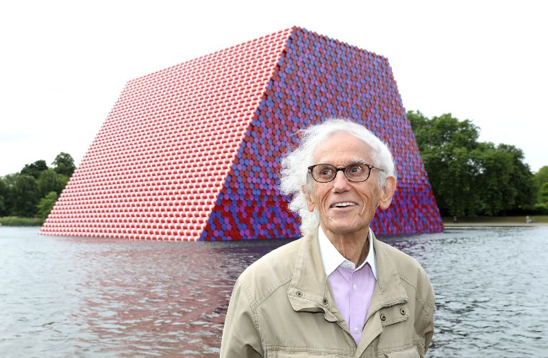 Christo - The Famous Artists Who Wrapped The World christo Christo, A Famous Artist That Leaves The World Of Design Mourning 200531160626 artist christo obit
