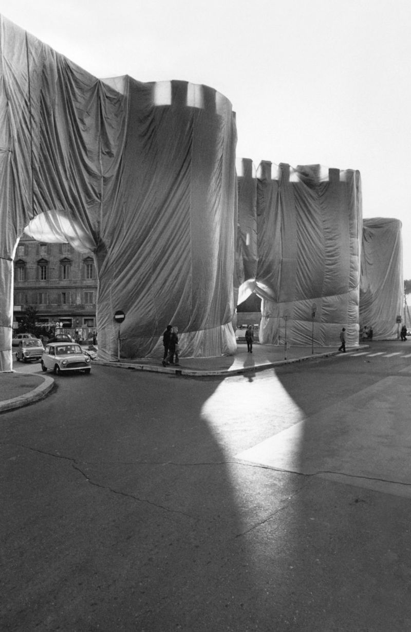 christo Christo – The Famous Artists Who Wrapped The World  Aurelian Walls