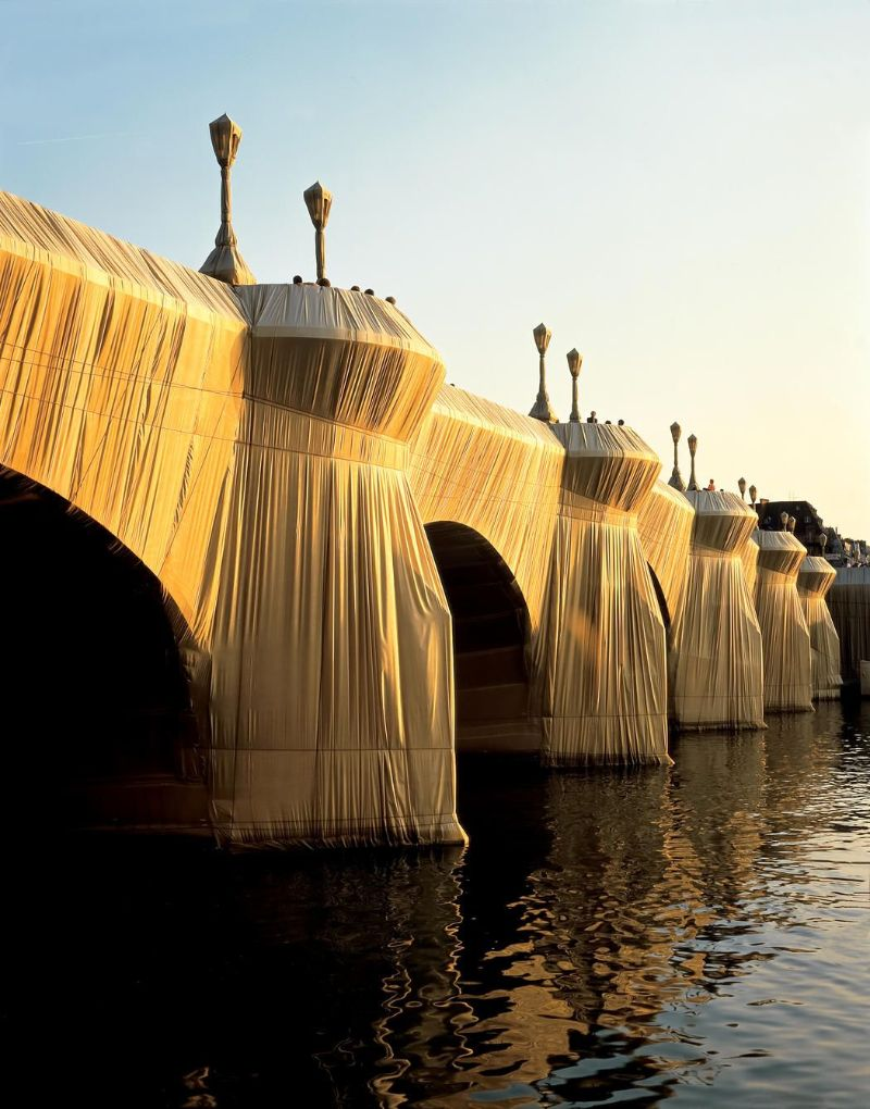 christo Christo – The Famous Artists Who Wrapped The World  Pont Neuf