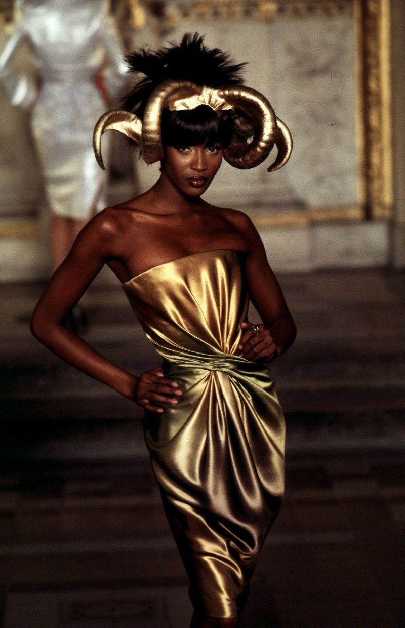 haute couture Walk Down Memory Lane – The 12 Most Iconic Haute Couture Looks Walk Down Memory Lane The 12 Most Iconic Haute Couture Looks 3