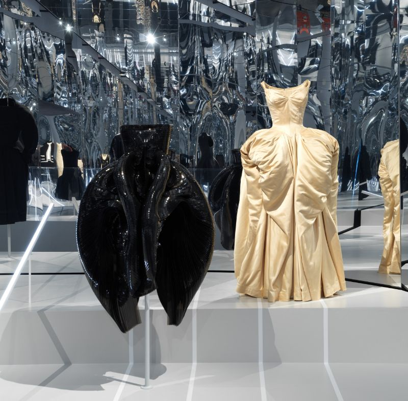 'About Time: Fashion and Duration' Exhibition At The Met Is Finally Here the met 'About Time: Fashion and Duration' Exhibition At The Met Is Finally Here About Time Fashion and Duration Exhibition At The Met Is Finally Here 7