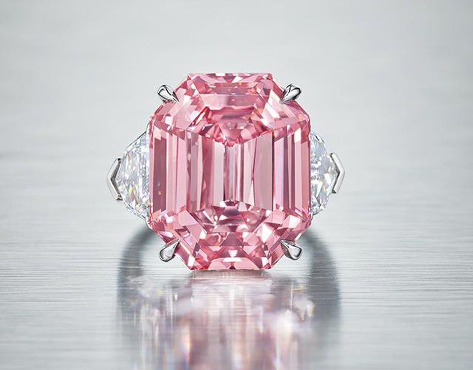 Extremely Rare 19-Carat Pink Diamond Ring by Harry Winston harry winston Extremely Rare 19-Carat Pink Diamond Ring by Harry Winston Extremely Rare 19 Carat Pink Diamond Ring by Harry Winston 1 1