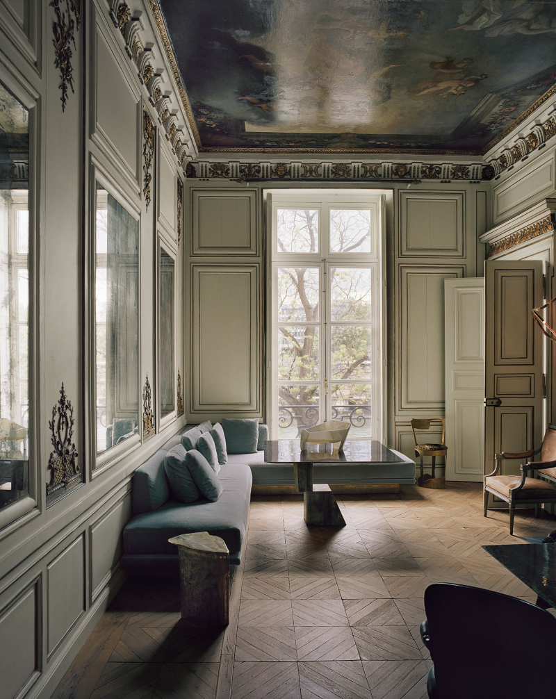 Tradition And Modernity Meet In Vincenzo De Cotiis' Parisian Apartment